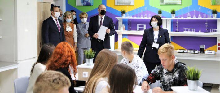 Артём Здунов и Анзор Музаев в центре «Мира»